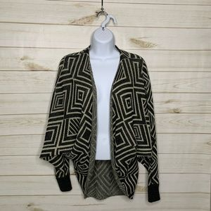 Open cardigan black cream by I Love H81